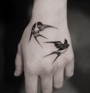 تاتو موقت با اسپری طرح پرنده