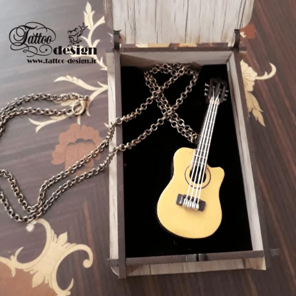 گردنبند موسیقی گیتار